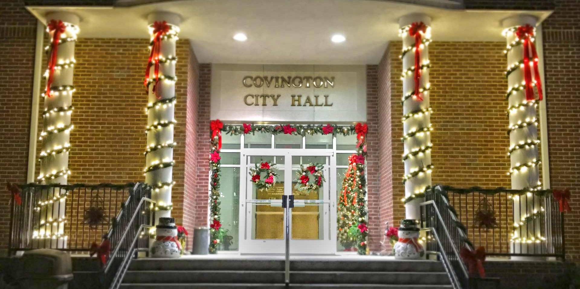 City Hall front lights